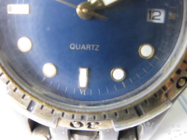 男式石英手表一只。跑得好,很准,,很新。
