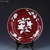 宣德款红釉留白花卉纹盘