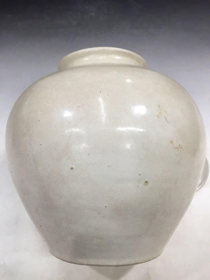 巩县窑白瓷,是唐代高品质白瓷的优秀代表之一。