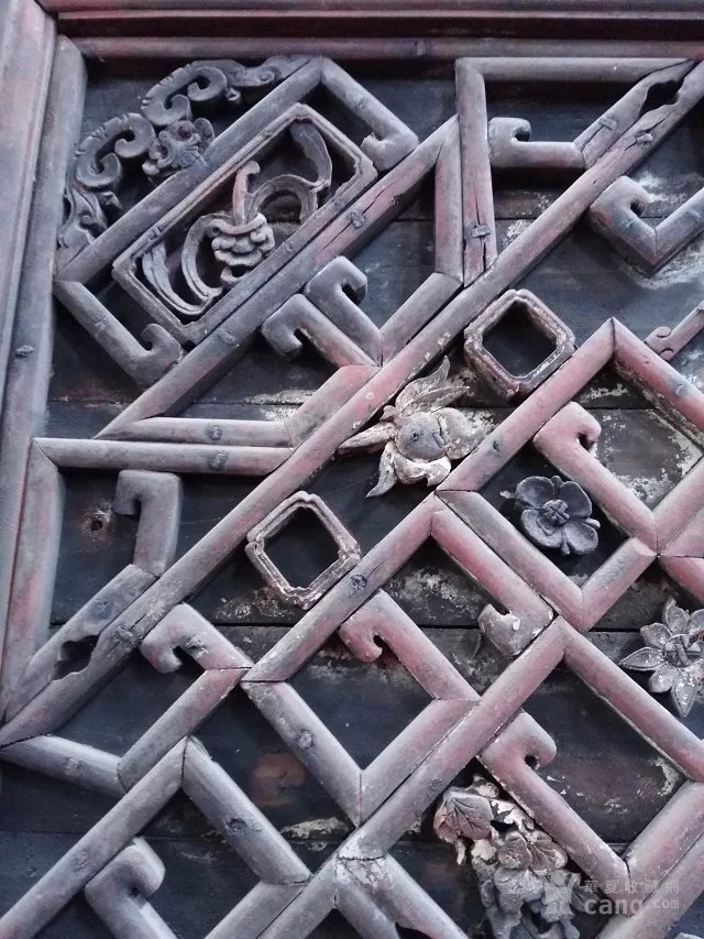 格子牡丹花鸟藻井