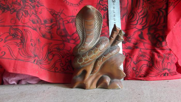 木雕十二生肖之老蛇,眼镜蛇,大蟒蛇,雕刻的还可以,雕像摆件