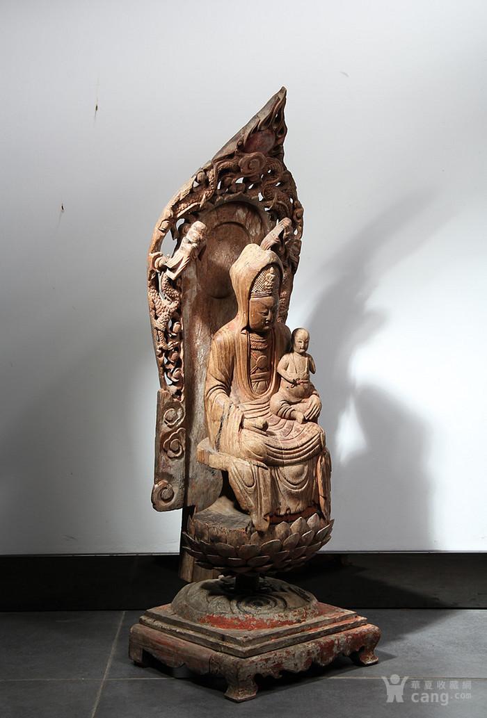 明代 香樟木雕观音坐像