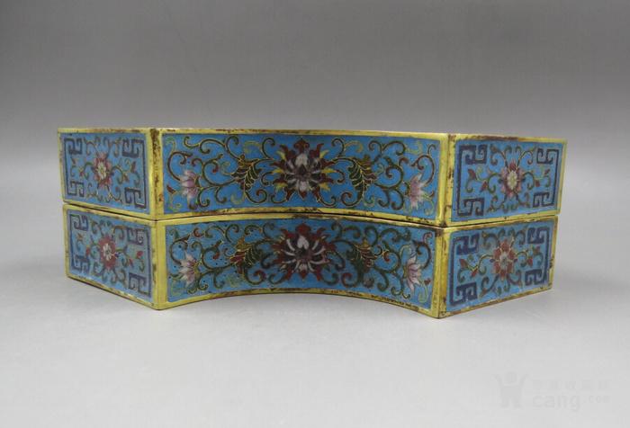 景泰蓝鎏金二龙戏珠半月盒