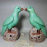 清代绿釉鹦鹉一对