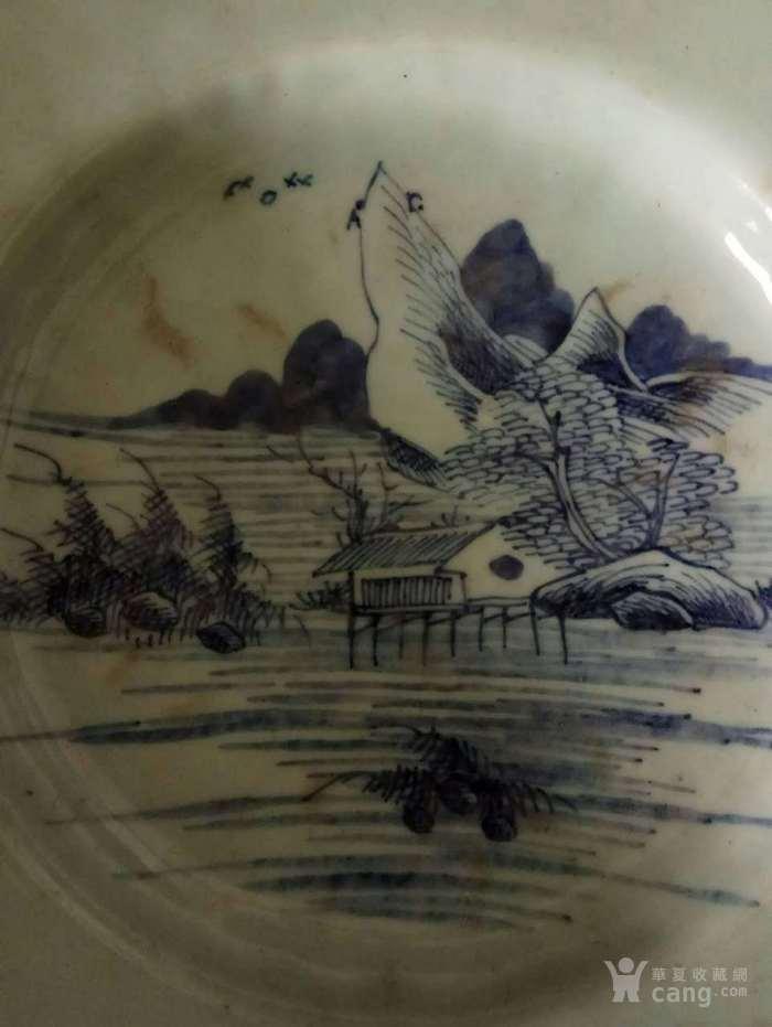 乾隆豆青釉山水盆