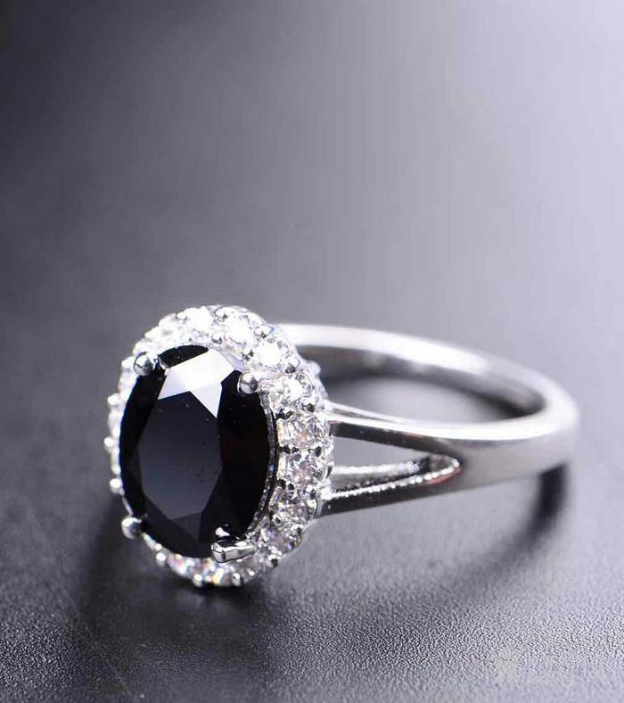 极美黑宝石戒指