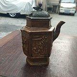 酱釉六面雕工茶壶