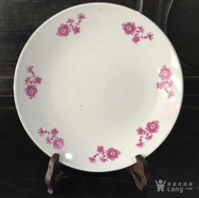 年代:新品 艺术类别:单色釉 表现形式:盘 品相:全品 内容:植物花卉