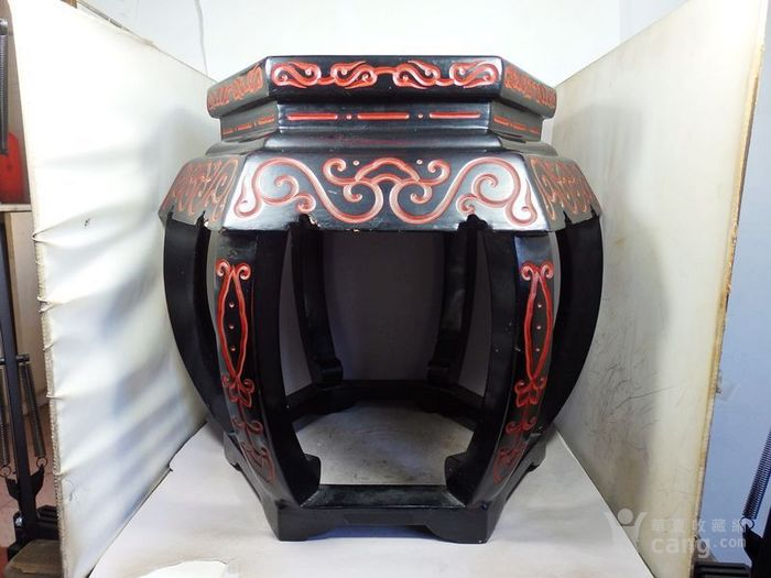 清代大号漆器雕刻六方凳