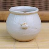 老点彩白釉鸟食罐