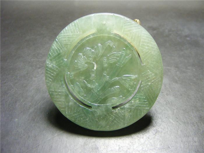 正宗新工冰种晴水绿翡翠双面工蝙蝠竹节团寿大佩 实价