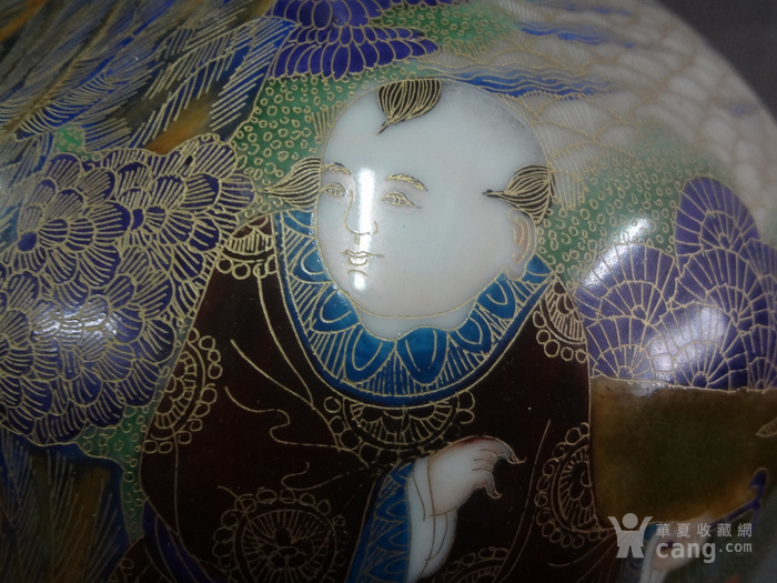 金丝珐琅童子献寿赏瓶