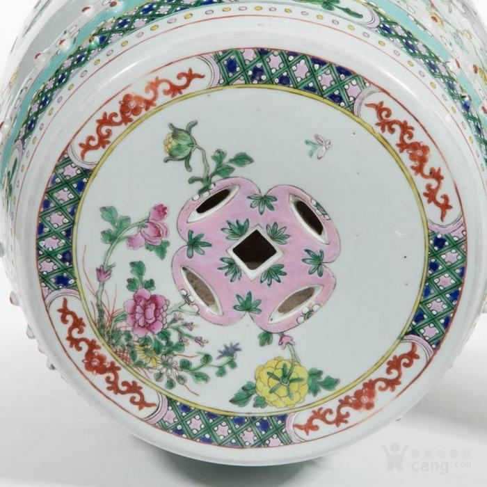 清花卉纹瓷凳
