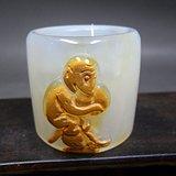 乡下收来的和田双色巧雕猴子献寿扳指玉器古玩杂项