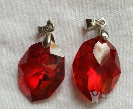 红宝石吊坠