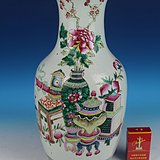 150件清晚期粉彩博古纹大瓶