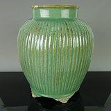 清代绿釉瓜棱罐