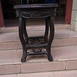 一张清晚民国铁力木天圆地方凳子