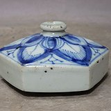 清代青花花卉绘画六角水盂