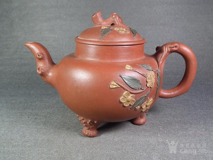 红泥紫砂堆塑花卉仙桃三足大茶壶图1
