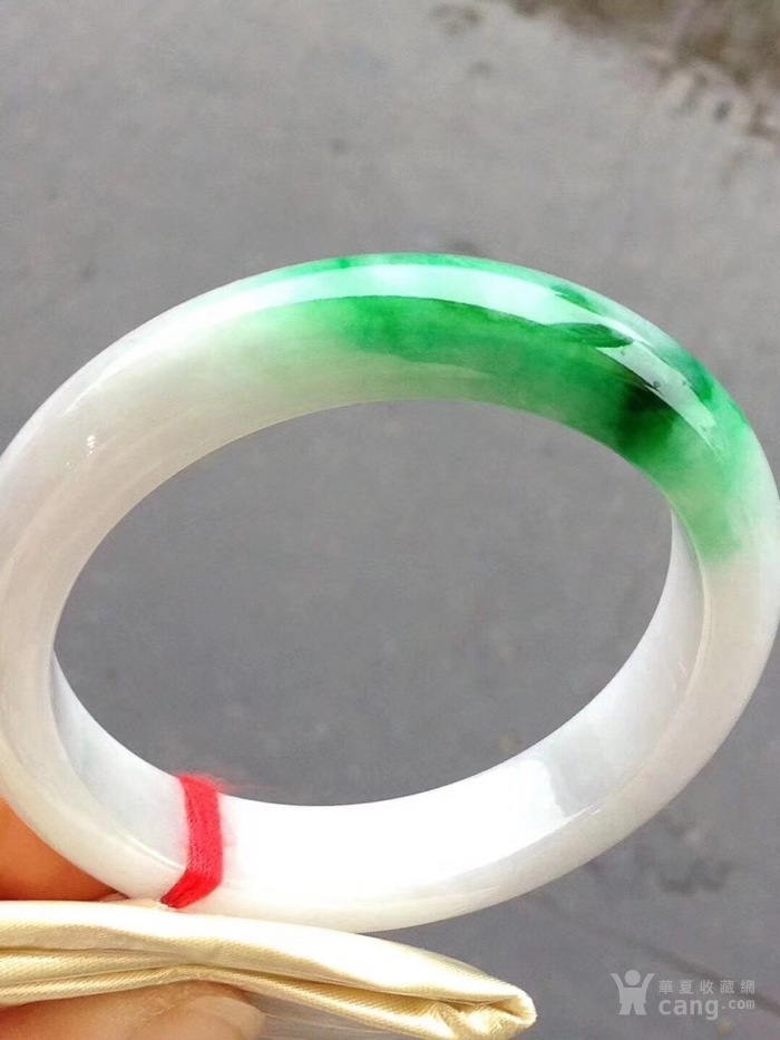 13 绿色手镯,特惠价64000