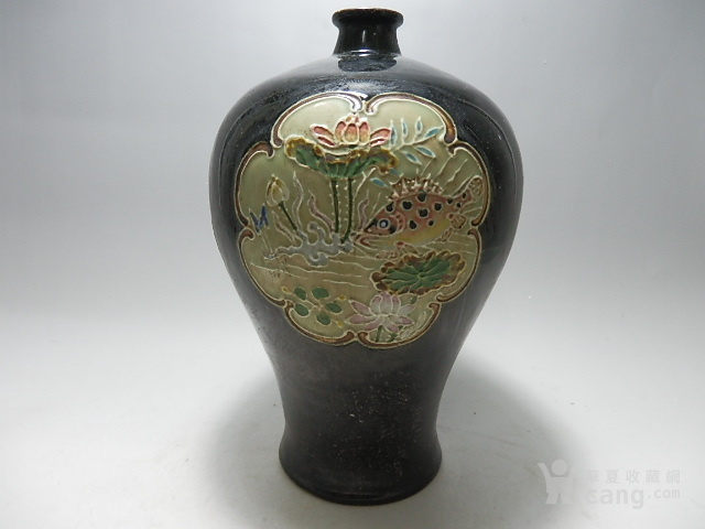 鱼藻纹梅瓶