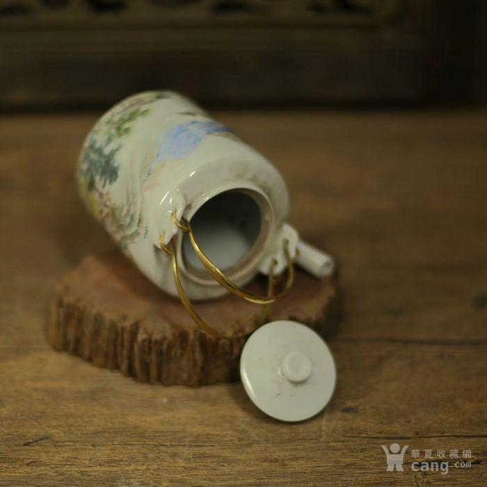 手绘山水茶壶
