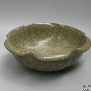 龙泉瓷盘  17.8x6.3cm重:605g