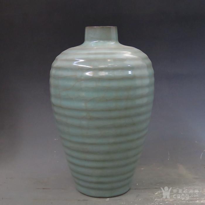 官窑弦纹瓶