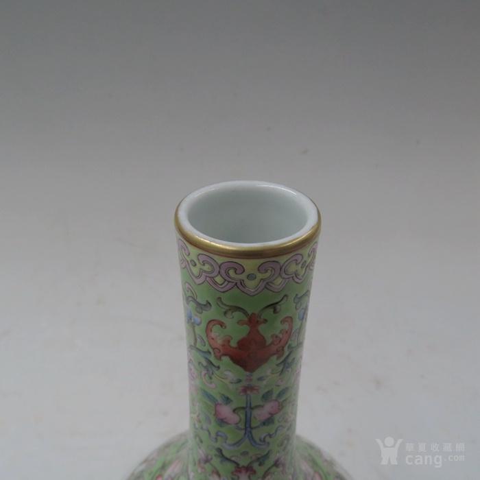 粉彩花纹胆瓶