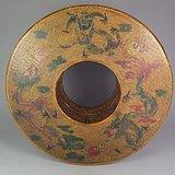 木胎黄地红绿彩龙纹环形大漆盒