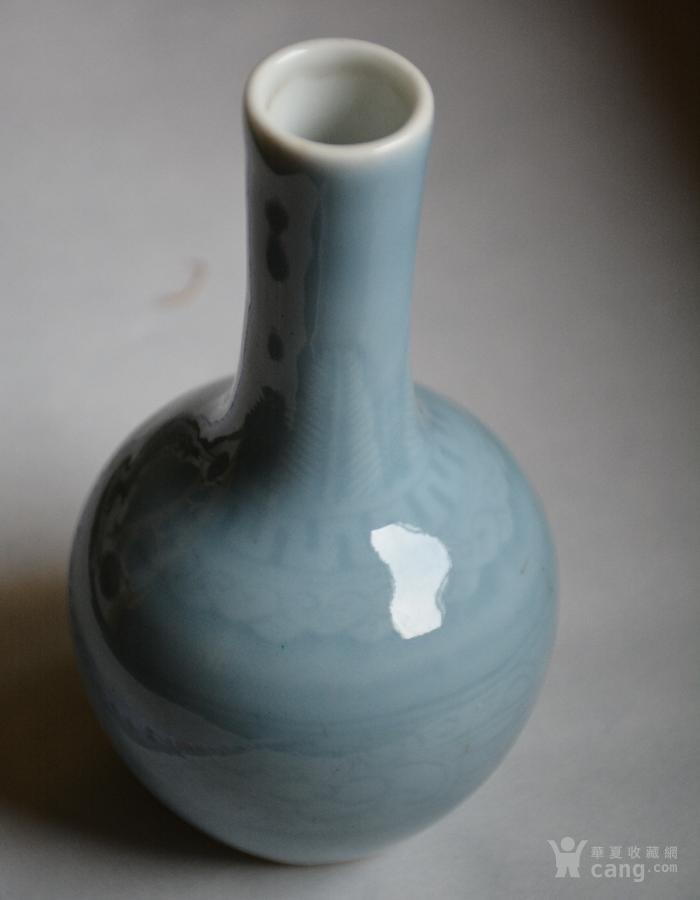 暗刻花纹花瓶