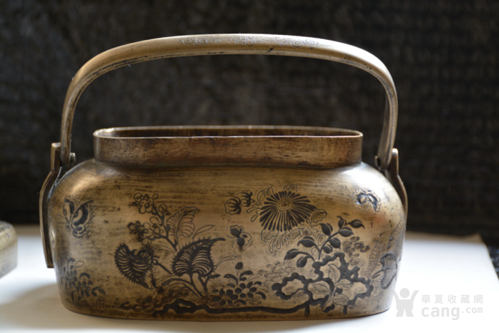 铜制 蝴蝶花暖手炉