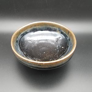 黑釉折口碗
