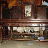 《图二》清代油梨木和红木混做的大禅椅