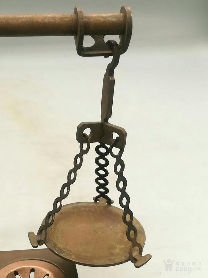 描述:铜天平秤   这件铜天平秤是纯手工