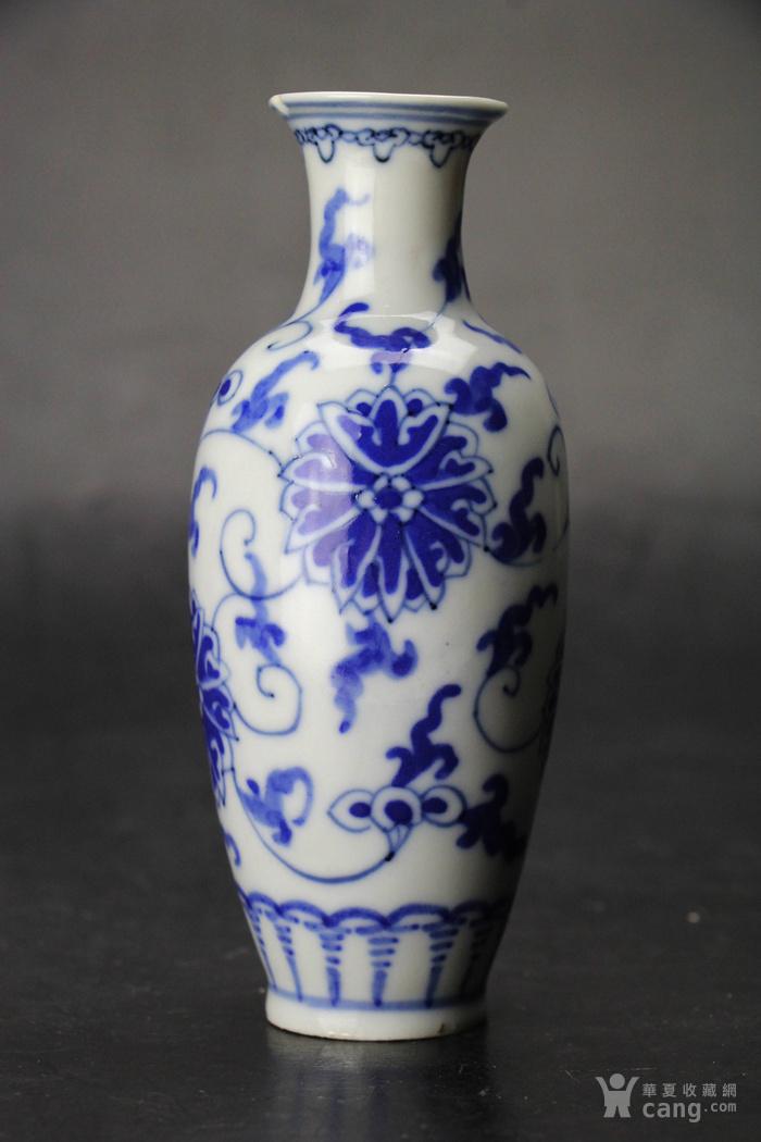 民国细路薄胎青花缠枝莲纹柳叶瓶图片