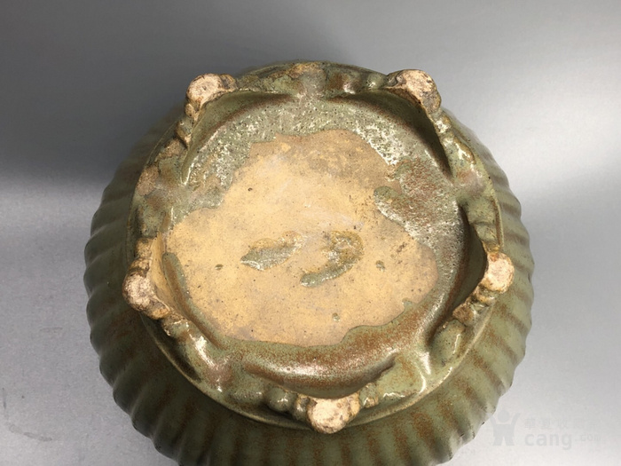清早期 段泥绿釉 瓜轮如意樽