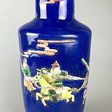 清晚期 雪花蓝釉堆塑五彩*马人物纹棒槌瓶