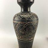 浅浮雕花卉瓷瓶A4660