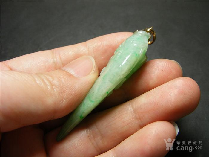 几十年的A货飘正阳绿翡翠带孔圆雕瓜果螭龙大坠佩 圆雕之物
