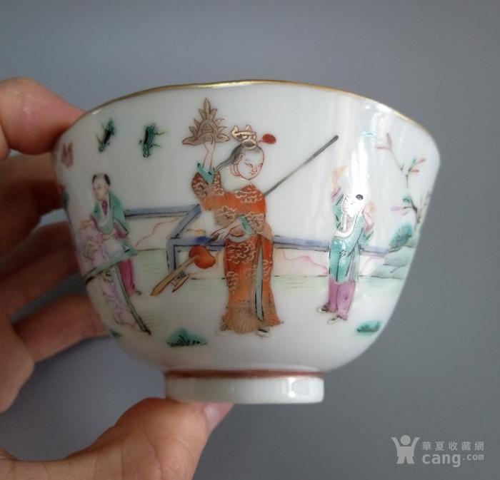 清代细路粉彩人物茶碗