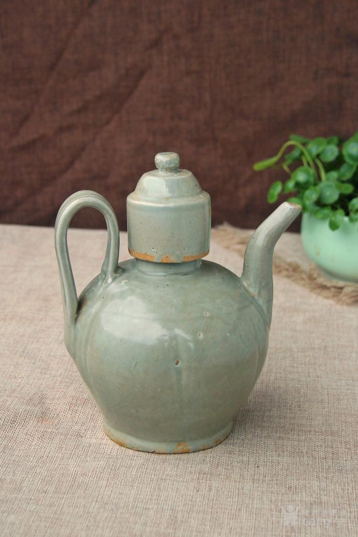 北宋越窑青釉瓜棱形温酒壶