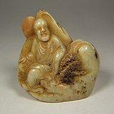 老淡黄色寿山石浮雕罗汉大印章摆件