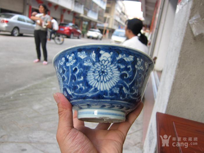 康熙景德镇窑菊花纹青花碗