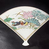 国营彩瓷厂潮彩手绘瓷扇