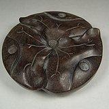 老花梨木浮雕荷叶纹三足圆形座子
