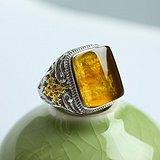 缅甸琥珀金珀阴雕龙腾银戒指 10KJ01