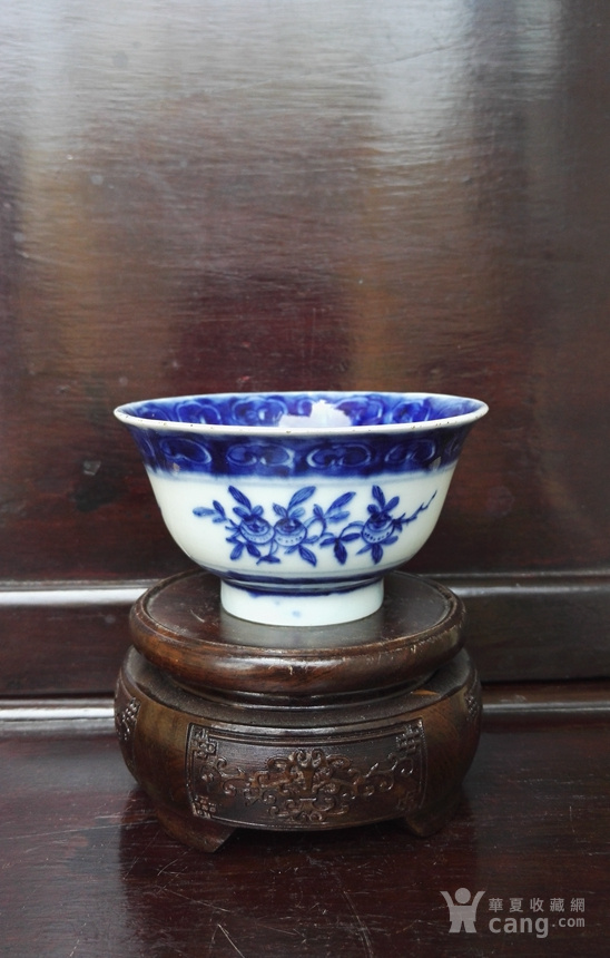 雍正青花折枝花果纹小茶碗