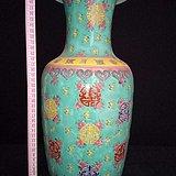 清康熙年制手工绘五彩花瓶